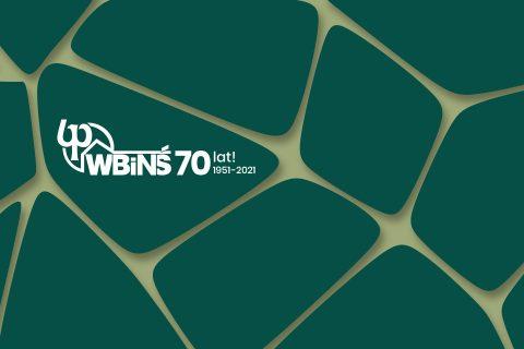 grafika, zielone marmurkowe tło z napisem WBiNŚ 70 lat